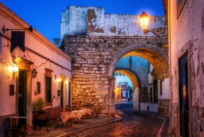 http---www.blogcdn.com-slideshows-images-slides-380-128-7-S3801287-slug-l-historic-old-town-at-faro-algarve-portugal-1