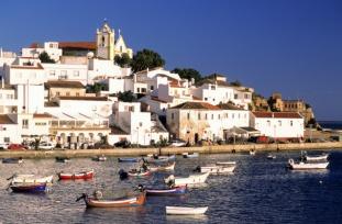 http---www.blogcdn.com-slideshows-images-slides-380-129-4-S3801294-slug-l-portugal-algarve-town-of-ferragudo-1